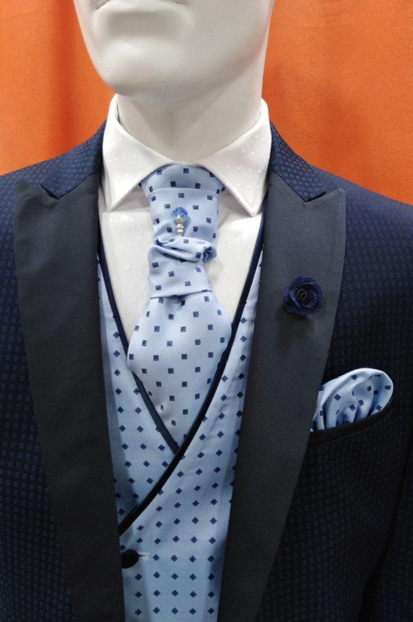 Traje de ceremonia y fiesta azul con dibujo y con chaleco