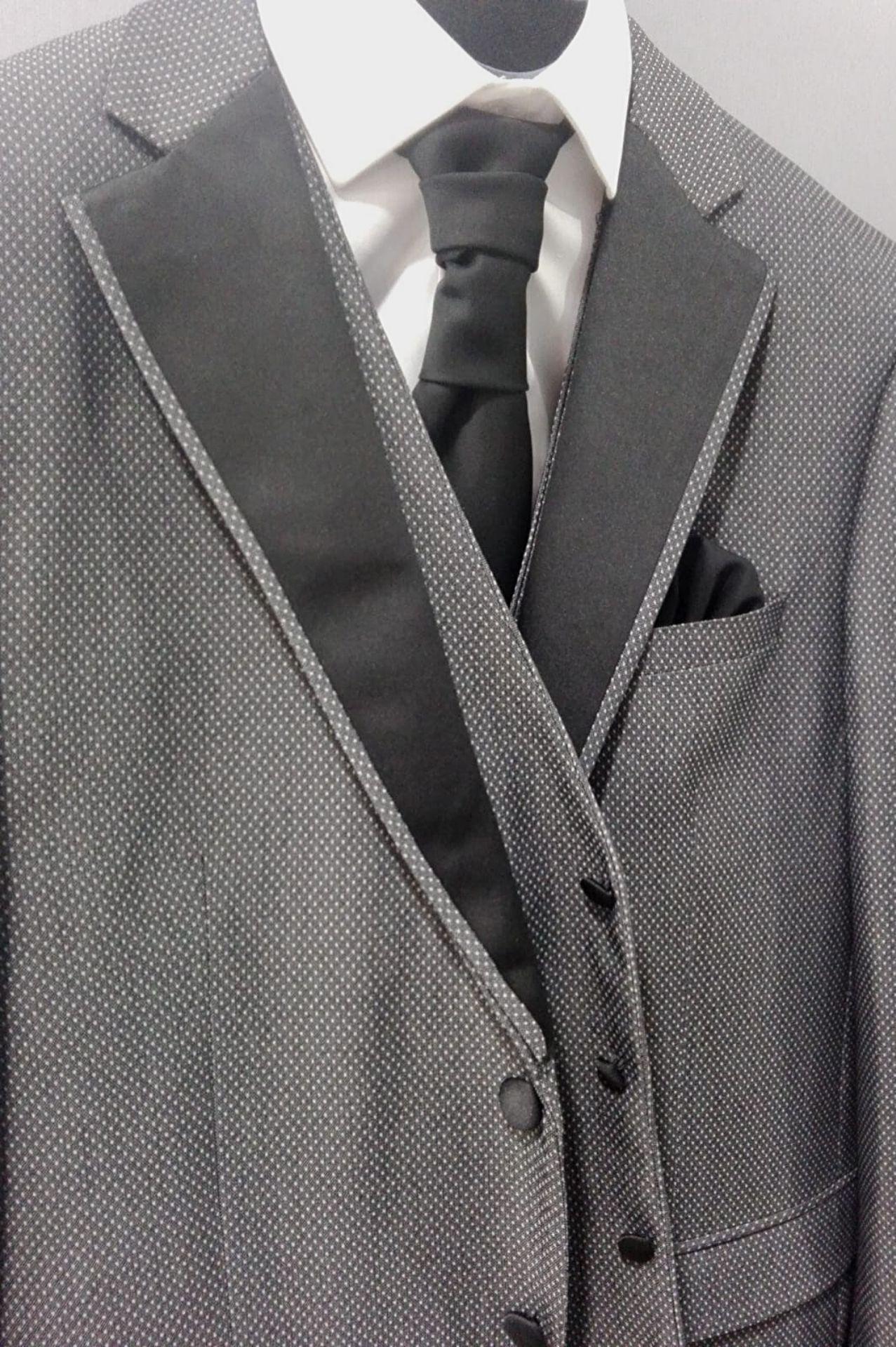 traje-ceremonia-gris-solapas-negras-trc-06-2