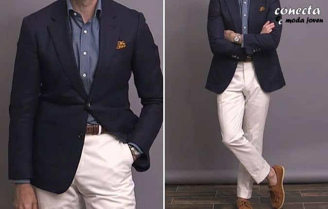 Chaqueta azul marino con pantalón chino blanco