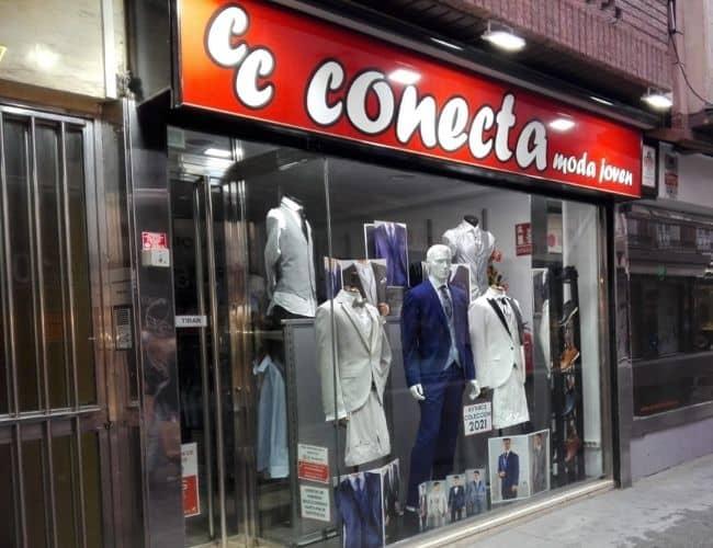Tienda de trajes Conecta Moda Joven en calle Alhondiga Granada