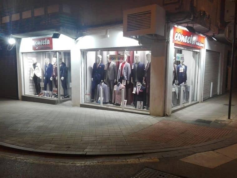 Tienda de trajes de novio, fiesta y ceremonia en Granada Plaza de Toros Conecta Moda Joven