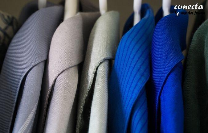 Vacía tu armario e identifica las prendas que necesitas