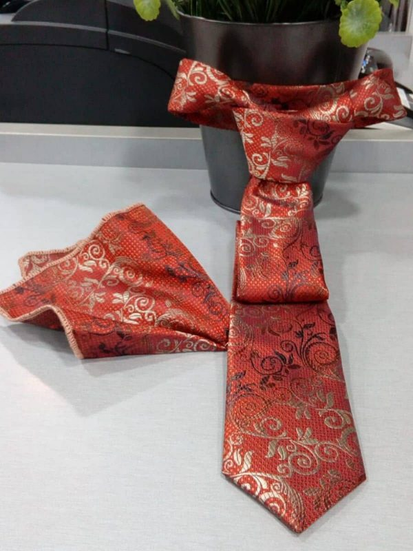 Corbata naranja con dibujo con pañuelo Conecta Moda Joven Granada