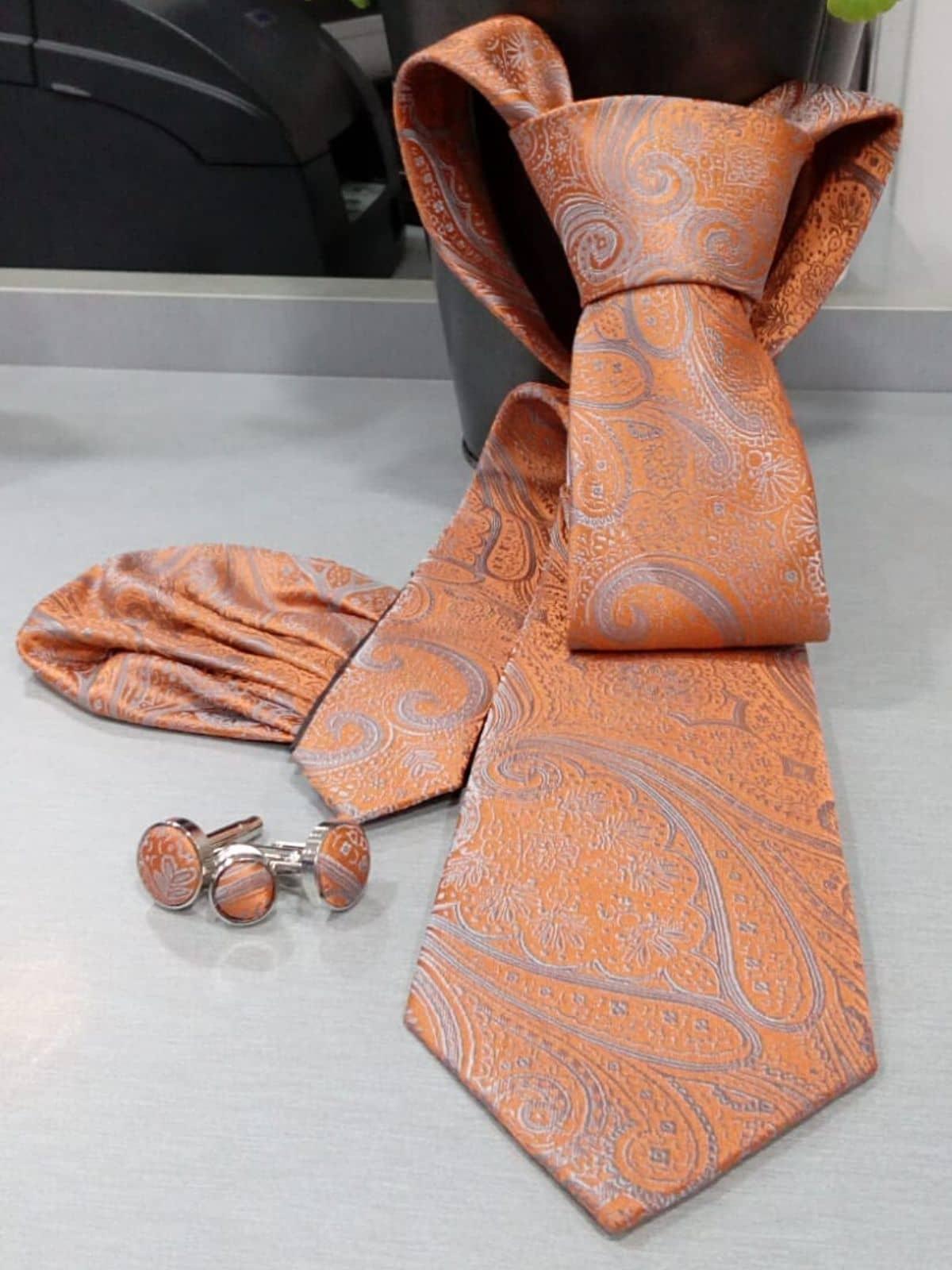 Corbata naranja con dibujo Conecta Moda Joven Granada