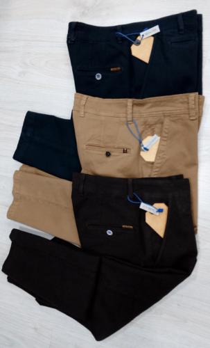 pantalones chinos en distintos colores conecta