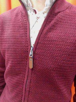 Rebeca roja Conecta Moda Joven Granada