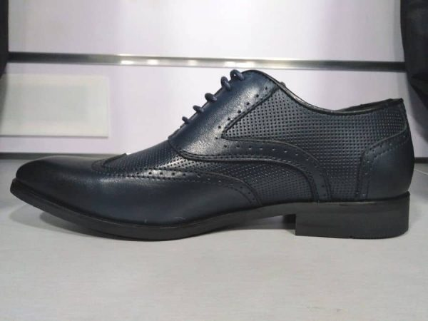 Zapatos de piel azul para traje Conecta Moda Joven Granada