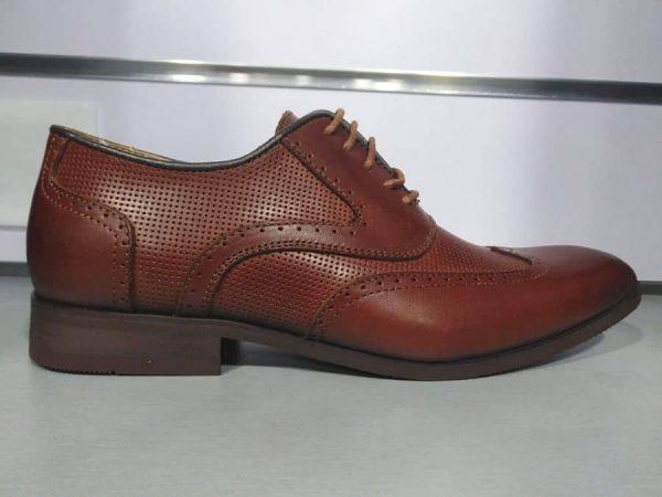 Zapatos de piel marrón para traje Conecta Moda Joven Granada