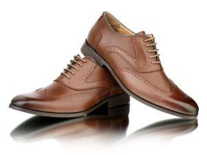 Zapato de piel marrón para traje Conecta Moda Joven Granada